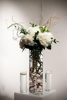 Simple but stunning hydrangea wedding centerpiece @Brandon Green Wedding Ideas by Green Bride Guide / Kate