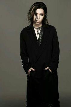 Aoi. The GazettE..............OHMYGOD HE IS BEAUTIFUL