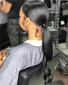 One of the must-have hair trends to try is a sleek ponytail. Usually these hairstyles feature high or low ponytails where all the hair is straightened and is styled very neat. Weave Ponytail Hairstyles, Ponytail Styles, Baddie Hairstyles, My Hairstyle, Long Ponytail Weave, Black Girl Ponytails, Black Girls Hairstyles, Teenage Hairstyles, Hairstyles Videos