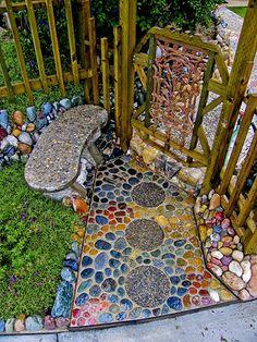 mosaic in the garden - gardenfuzzgarden.com