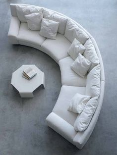 Elegant Curved Sofa Design and Pictures 2 - Awesome Indoor & Outdoor Living Room Sofa Design, Living Room Interior, Home Interior Design, Living Room Decor, Couch Design, Living Area, Gebogenes Sofa, Couches, Curved Couch