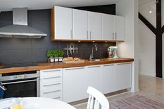 My Home Design Journey Blue Kitchen Walls Decorate Kitchen Walls My Home Design Journey Grey Kitchen Walls, White Kitchen Cupboards, Handleless Kitchen, Gray And White Kitchen, Grey Kitchens, Kitchen Units, Grey Walls, Home Kitchens, Kitchen Black