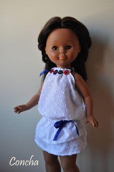 Dias de Nancys: Taller de costura American Girl, Nancy Doll, Birthday Photography, Barbie Dress, 18 Inch Doll, Doll Clothes, Flower Girl Dresses, Summer Dresses, Dolls