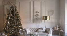 To help you create an irresistibly cosy and inviting home this winter, we sat down with our International Colour Consultant Joa Studholme to discover her Christmas decorating tips.