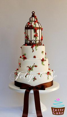 Autumn Bird Cage Wedding Cake, The bird cage is equally a house for your chickens and a pretty tool. You can select what you may want on the list of bird cage types and get a whole lot more special images. Gorgeous Cakes, Pretty Cakes, Cute Cakes, Amazing Cakes, Fondant Cakes, Cupcake Cakes, Sweets Cake, Wedding Cake Toppers, Wedding Cakes