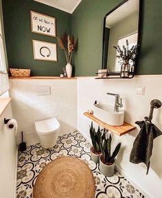 Toilet And Bathroom Design, Small Toilet Room, Bathroom Interior Design, Cozy Bathroom, Guest Toilet, Bathroom Designs, Small Toilet Decor, Bathroom Ideas, Bathroom Vintage