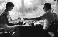 Schach mit Loki, Helmut Schmidt und seine Frau in ihrem Privathaus am Brahmsee