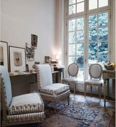 We've all seen photos of Pauline de Rothschild's home in Paris but the November 2014 issue of World of Interiors has some that have never been seen before. I didn't realize that the ground floor apartment was only four rooms and that Pauline designed quite a few pieces of the furniture including the steel and brass […]