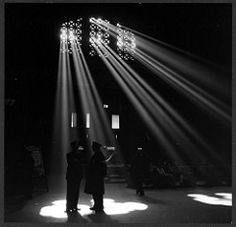 No Known Restrictions:  Union Station, Chicago, Illinois by Jack Delano, 1943 (LOC) | by pingnews.com