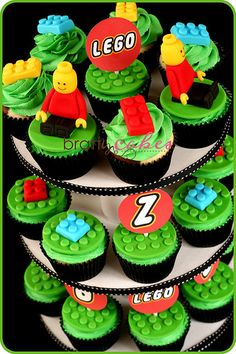 Lego cupcakes! @Lisa Page will love these!