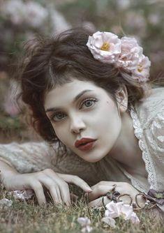 trendy flowers in hair portrait Hair Photography, Fantasy Photography, Portrait Photography, Photography Flowers, Fantasy Love, Fantasy Portraits, Drawing Portraits, Belle Photo, Flowers In Hair