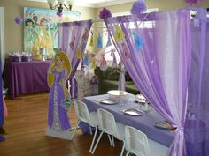 This is how our princess party decor ended up.