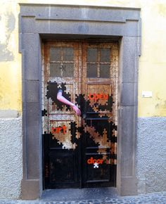 Projecto artE pORtas abErtas, Open Doors project, painted doors, Funchal, Madeira, Portugal