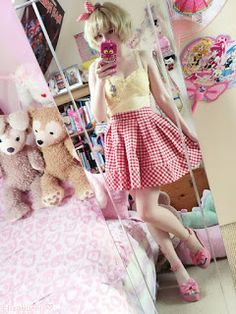girly and cute! Is this considered larme-kei?
