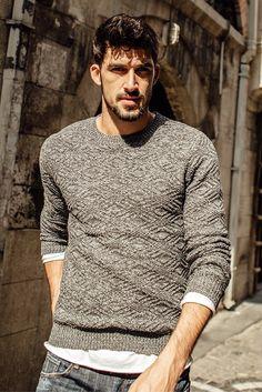 L&C's Knitted O-Neck Pullover Sweater. #Sweater #MensSweater #MensWear #MensGear #MensStyle #MensFashion #Fashion #Style #FashionStyle #Trend #FashionTrend #BoyfriendWear