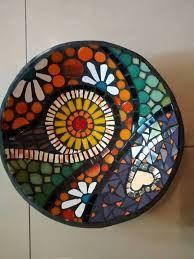 32 New Ideas Wall Tiles Pattern Mirror Mosaic Birdbath, Mosaic Tray, Mosaic Garden Art, Mosaic Tile Art, Mosaic Flower Pots, Mosaic Pots, Mirror Mosaic, Mosaic Crafts, Mosaic Projects