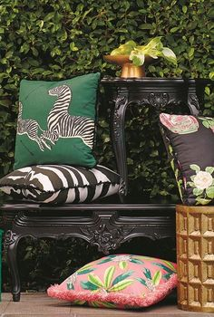 During the golden age of Hollywood, a distinct design style emerged. Glitzy and glamorous, the aesthetic we now call Hollywood Regency still beguiles us with Outdoor Cushions, Outdoor Fabric, Outdoor Decor, Outdoor Pillow, Outdoor Living, Outdoor Ideas, Outdoor Spaces, Hollywood Regency, Mold And Mildew