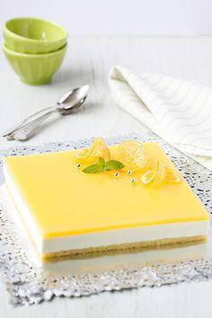 Pastel de mousse de limón