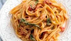 This Sundried Tomato Fettuccine will be a family favorite! Greek Recipes, Keto Recipes, Cooking Recipes, Healthy Recipes, Cookbook Recipes, Food And Drink, Pasta, Dinner, Ethnic Recipes