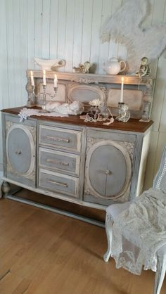 Shabby chic sideboard painted in Annie Sloan