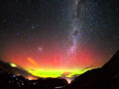 the Southern Lights (Aurora Australis)