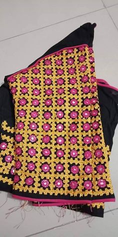 Indian Embroidery, Embroidery Dress, Ribbon Embroidery, Embroidery Designs, Kutch Work Designs, Rajasthani Dress, Maggam Works, Mirror Work, Embroidery Techniques