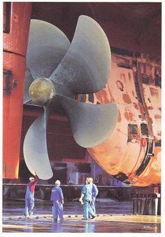 ship propeller in Hamburg shipyard Blohm & Voss