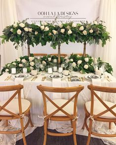 Ooh La La Designs is always a source of inspiration! Check out their blooming booth from last weekend's #WedLuxeShow! | WedLuxe Magazine | #wedding #luxury #weddinginspiration #luxurywedding #floral #floraldesign #centrepiece #tabledecor