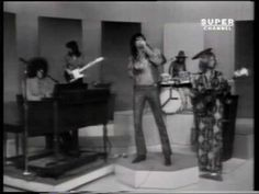 Steppenwolf - Magic Carpet Ride, 1968 I Love Classic Rock.oh, if I only had a time machine ! Sound Of Music, Kinds Of Music, Music Love, Music Is Life, Rock Music, 60s Music, Music Songs, Music Videos, Classic Rock And Roll