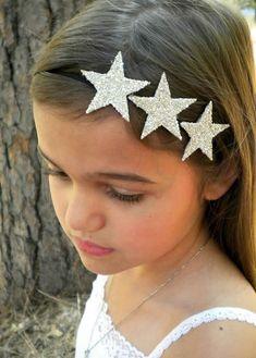 Silver Glitter Star Headband - three silver stars on a skinny black elastic… Glitter Stars, Silver Stars, Star Costume, Making Hair Bows, Diy Headband, Diy Hair Accessories, Foam Crafts, Elastic Headbands, Diy Hairstyles