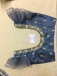 Blouse Designs Catalogue, Kids Blouse Designs, Simple Blouse Designs, Stylish Blouse Design, Fancy Blouse Designs, Bridal Blouse Designs, Blouse Neck Designs, Sleeves Designs For Dresses, Making Ideas