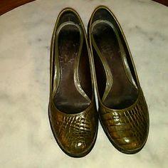 Aetosoles pump 8 Olive crocodile  embossed low pump AEROSOLES Shoes Heels