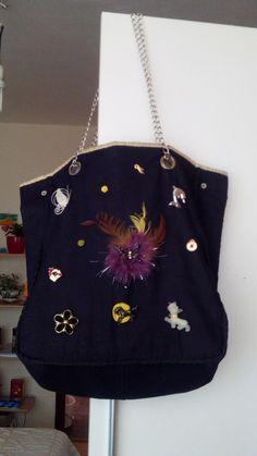 Taška Tenezis z druhej strany ... Keds, Shoulder Bag, Fashion, Moda, Fashion Styles, Shoulder Bags, Fashion Illustrations