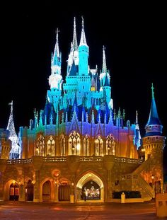Cool angles for photos of Cinderella Castle at Walt Disney World!