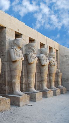 Statue Of Ramses Egypt iPhone 5 wallpapers, backgrounds, 640 x 1136 Beautiful World, Beautiful Places, Amazing Places, Beautiful Pictures, Dubai Destinations, Historical Monuments, Exotic Places, In Ancient Times, Rest Of The World