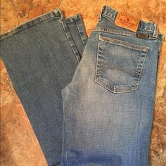 Lucky brand jeans. Size 8 Great pair of jeans. No rips, holes or tears. A little worn on bottom hem but that's it. Lucky Brand Jeans