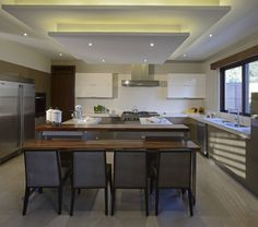 Cocina casa GL : Cozinhas modernas por VICTORIA PLASENCIA INTERIORISMO