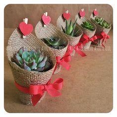 Garden Wedding Favors Diy Gifts Ideas For 2020 Valentine Crafts, Valentines, Cactus Y Suculentas, Diy Wedding Favors, Mothers Day Crafts, Diy Crafts To Sell, Flower Pots, Diy Gifts, Flower Arrangements