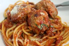 A Feast for the Eyes: Meatballs and Marinara - Pressure Cooker Style (or slow cooker)