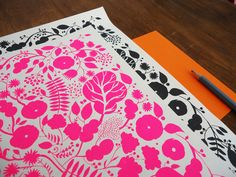 Bits of hot pink are all over this city as Spring arrives! And I lve how it graces this stationary by Karollin Schnoor.