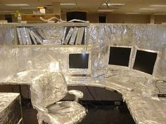 The guy who has to deal with the annoying foil crinkling noises all day / 20 People Having A Way Tougher Day At Work Than You (via BuzzFeed)