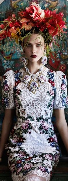 Karlie Kloss | by Mario Testino (American Vogue - July 2012):