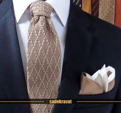 Dore Bej Baklava Desen Örgü Kravat 6059 www.sadekravat.com/dore-bej-baklava-desen-orgu-kravat-6059 İpek Mendil M113 www.sadekravat.com/ipek-mendil-m113   #ketenkravat #pocketsquare #ipek #kravat #sadekravat #kahverengi #silk #kravatlar #kravatmodelleri #ipekkravat #tie #tieofday #pocketsquare #kravatmendili #kombin #mendil #yunkravat Tie Clip, Silk, Accessories, Fashion, Moda, Fashion Styles, Fasion, Tie Pin, Silk Sarees