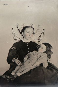 Post Mortem Photography - Both mother and child are deceased