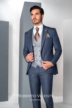 Wedding Hochzeitsanzug Wedding suits Roberto Vicentti available at Anna Moda in Cologne. Wedding Outfit Mens, Wedding Dress Men, Wedding Men, Best Wedding Suits, Blue Suit Wedding, Best Groom Suits, Groom Suit Trends, Costume Anglais, Formal Casual Outfits