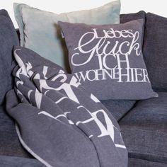 Heute ist der amerikanische Festival of Sleep Day. Also legt euch wieder hin und schlaft noch ne Runde! Z.B. mit der Räder Design Decke Zuhause Liebes Glück