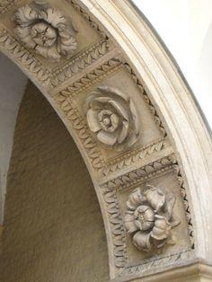 intrados a caissons Krakow, Poland Classical Architecture, Amazing Architecture, Art And Architecture, Architecture Details, Krakow Poland, Shades Of Beige, Architectural Elements, Architectural Salvage, Ceiling Design