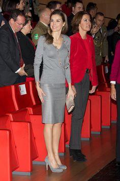 Letizia Ortiz | Letizia brilla con un look 'total gray' de Hugo Boss - Yahoo Tendencias España