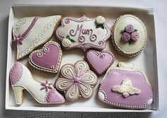 Personalised Mothers Day Cookie Gift Box  (Free UK Delivery) by CookieArtLondon on Etsy https://www.etsy.com/listing/223894934/personalised-mothers-day-cookie-gift-box