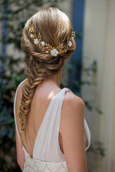 Las novias con velo son siempre elegantes, aunque también tienes que descubrir las opciones de las novias sin velo. ¿Con qué idea te quedas?